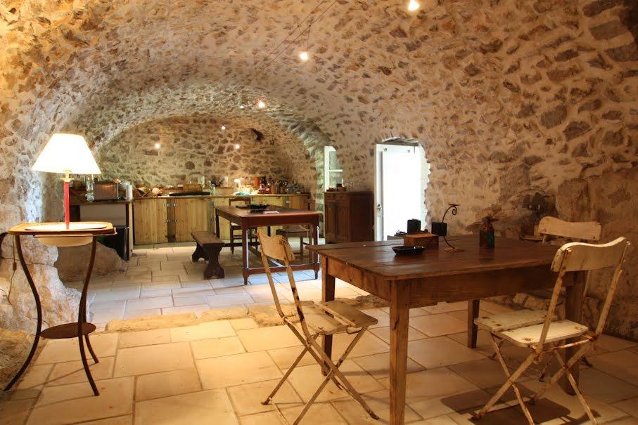Vente maison 9 pièces 280 m² à Chauzon (07120), 215 000 €