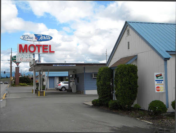 Blue and White Motel