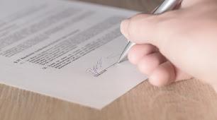 La mujer falsificó la firma de su marido durante más de una década.
