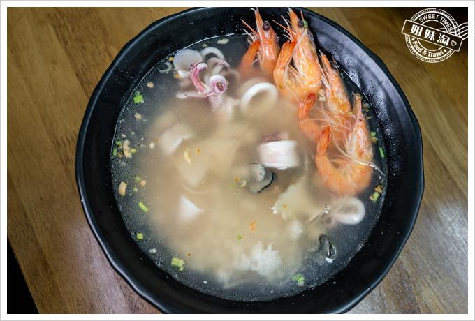 饗賀呷海產粥