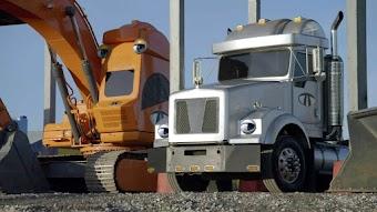 Monster Truck Mashup / The Scrap Yard Smash