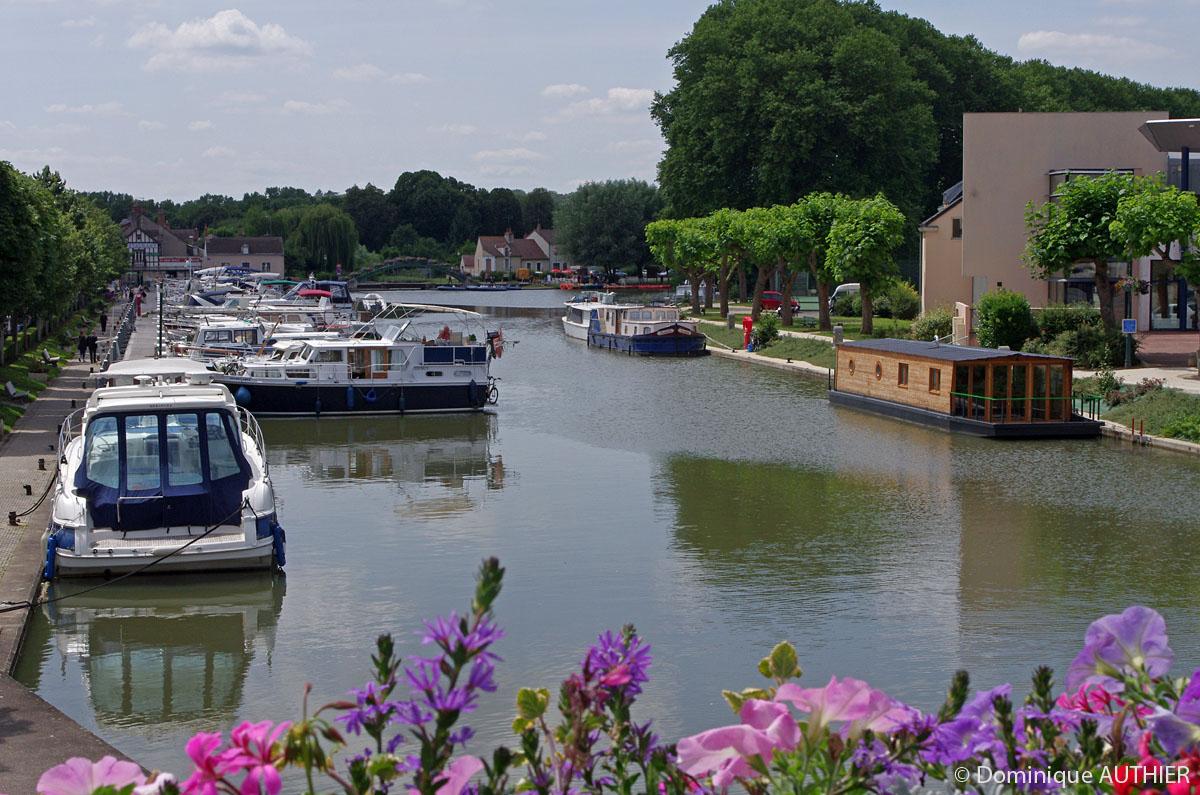 Photo: Port de plaisance à Briare