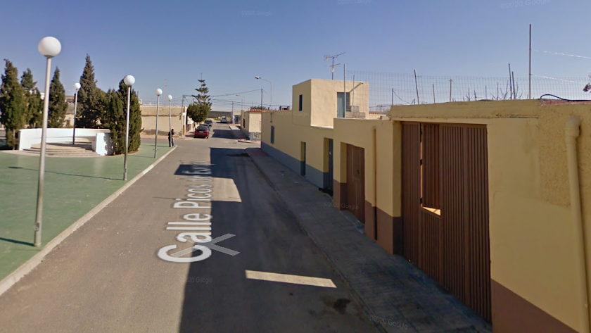 Imagen de la Calle Picos de Europa desde donde se alertó del incendio próximo.