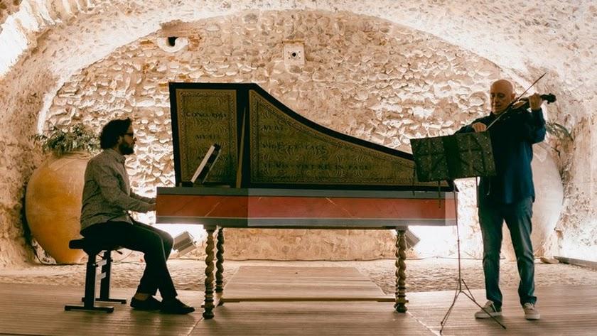 La primera de las citas, el 22 de marzo, será con 'The Dark Bach' con Emilio Moreno y Aarón Zapico, en el Círculo Mercantil.