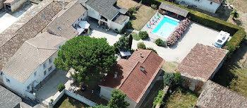 propriété à Saint-Dizant-du-Gua (17)