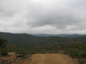 Photo: Ein weitläufige Hügellandschaft