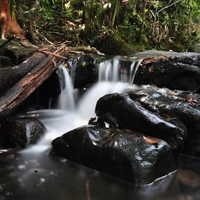 batu mentas by ANdi Khoebill - Landscapes Forests