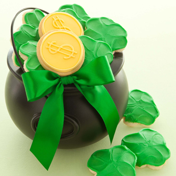 Photo: St Patricks Day pot of gold cookie gift