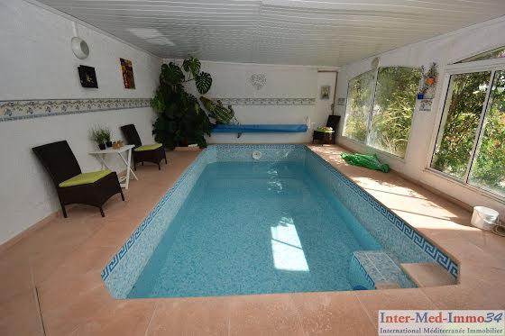 Vente villa 6 pièces 223 m2