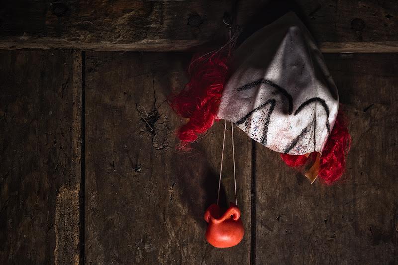 Parrucca e naso rosso di Barbara Surimi