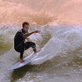 Seul contre les éléments by Gérard CHATENET - Sports & Fitness Surfing