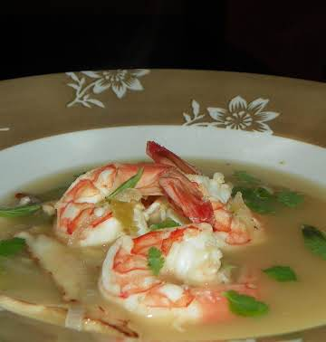Thai Shrimp and Lemongrass Soup (Tom Yum Soup)