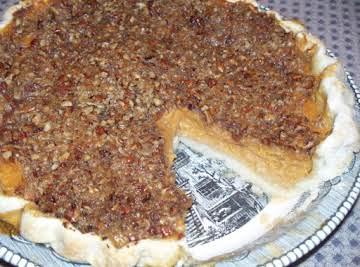 Maple Pumpkin Crumb Pie - Yummy!