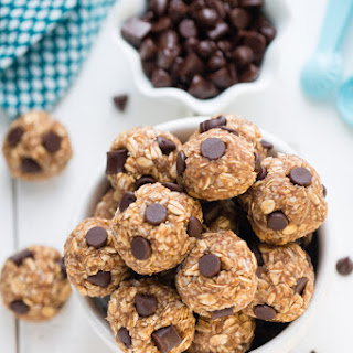 No Bake Peanut Butter Chocolate Chip Energy Bites