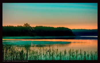 """Photo: die """"blaue Stunde"""" an der Müritz - morgens um 5 Uhr - 10 Min. vor dem Sonnenaufgang"""