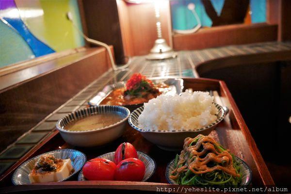 萬.吧- 老屋風情復古味,中式簡餐下午茶