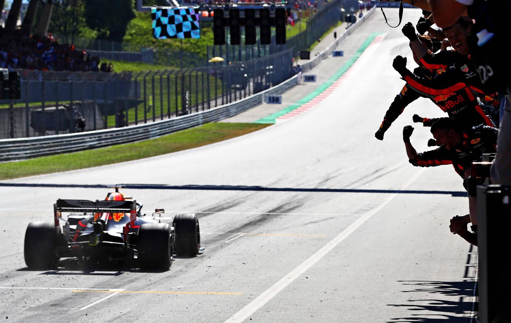 F1第9戦オーストリアGP、トロロッソ・ホンダのフェルスタッペンがトップチェッカー!