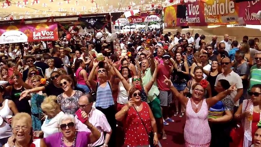 Ambigú de LA VOZ en la Feria dle Mediodía.