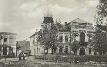 Photo: Radnica a Trojičné námestie začiatkom 20. storočia.