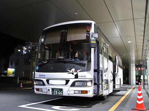 西鉄高速バス「桜島号」 4012 鹿児島中央駅前改札中