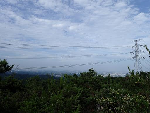 山頂岩場からの展望1