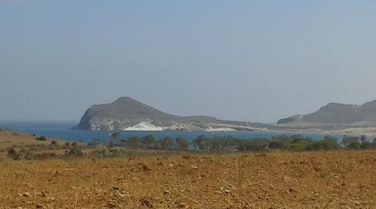 Más de 9.000 vehículos acceden a las playas de Cabo de Gata en 15 días de julio