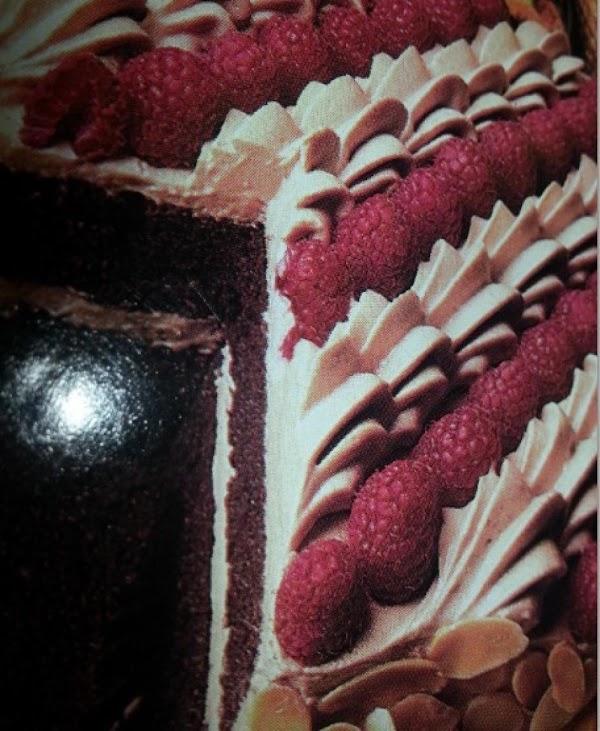 Chocolate Berry Velvet Cake Recipe