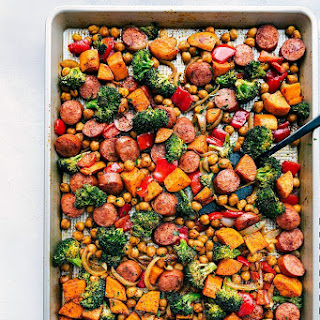 One Pan Healthy Sausage, Chickpeas, and Veggies.