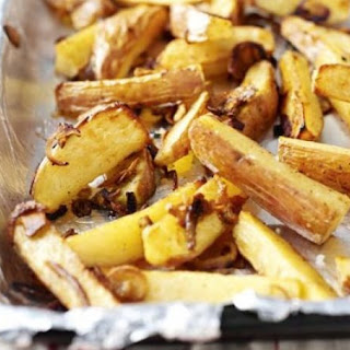 Chunky Chips With Caramelised Onion & Garlic.