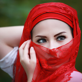 Lady w/red-cloth by Bambang Leksmono - People Portraits of Women