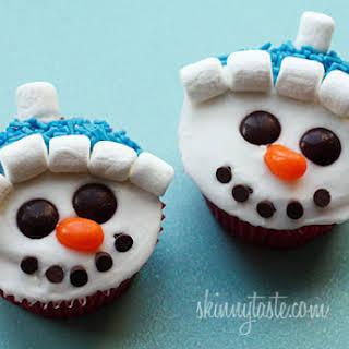 Vanilla Snowman Cupcakes with Vanilla Icing.