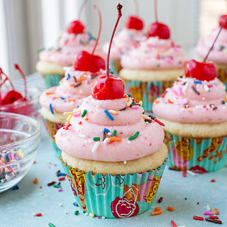 Strawberry Sundae Cupcakes