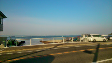 Photo: Morning walk at my home town Fukuoka. May-June is the most pleasant time to follow this daily routine. Looking at the waves rapping on the shore and retreating I feel like I am interacting with the ocean and mother earth. 26th May updated (日本語はこちら) - http://jp.asksiddhi.in/daily_detail.php?id=554