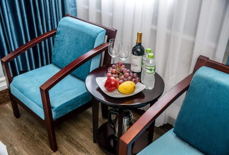 phòng khách sạn combo du lịch chào hè