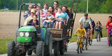 Photo: Giro nei Magredi in agribus; chi non ci stava in bicicletta