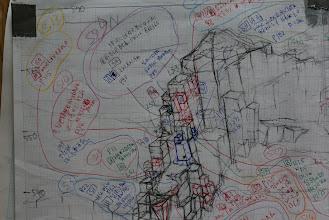 Photo: データ満載  現場での作業図面。 図面表面はスタトレで防水加工。