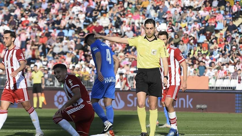 Bikandi Garrido en el Almería-Fuenlabrada.