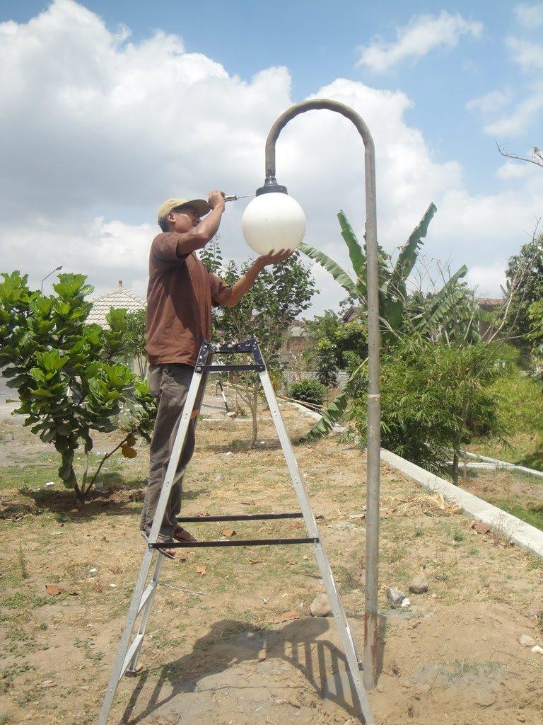 rusunawa sleman : perbaikan lampu taman