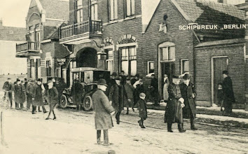 "Photo: Shipwreck ""Berlin"". His Royal Highness Prince Hendrik leaves the American Hotel at Hooek of Holland after a visit to the shipwrecked persons."