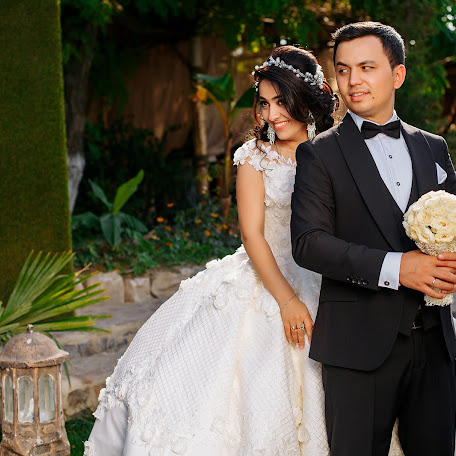 Fotógrafo de bodas Utkir Irgashev (UTKIR). Foto del 11.01.2018