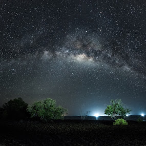 Heavenly Lights by Vijay Tripathi - Landscapes Starscapes ( water, milkyway, spectacular, waterscape, seascape, skylight, landscape, senic, nightscape, travel photogrpahy, light painting, nature, night photography, stars, long exposure, night, galaxy )