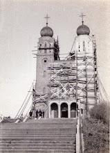 Photo: Tynkowanie kościoła.