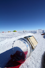 Photo: Cryostat on Siglin sled