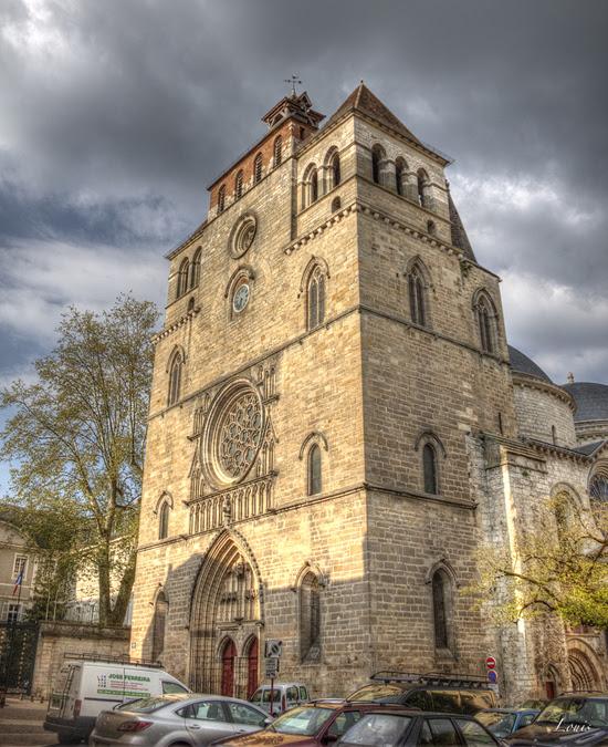 Величественный портал с окном-розой над ним - Cathédrale de Cahors (Кафедральный собор Каора)