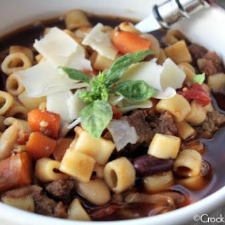 Crock-Pot Pasta Fagoli Soup (Olive Garden Copycat Recipe).