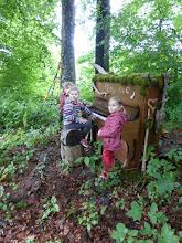Photo: Klein und Gross spielten den ganzen Tag am Land Art Klavier, die Vögel sangen ihre Lieder dazu