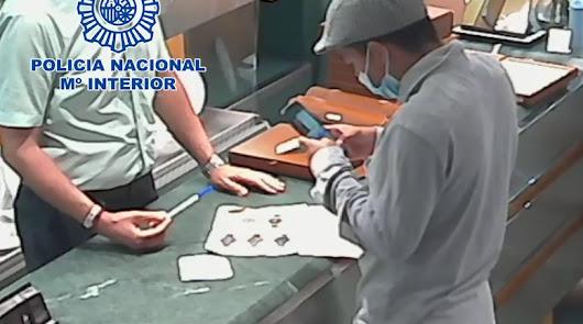 Detienen al ladrón de una joyería de Almería que utilizó la técnica de la muleta