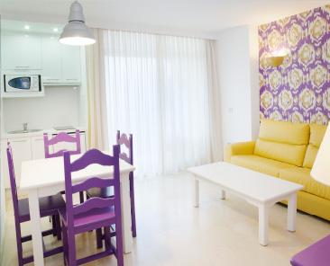 Aparthotel<br>MS Aguamarina ***<br><span style='font-size:12px'>El Bajondillo, Torremolinos</span>