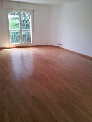 Location appartement 3 pièces 87,98 m2