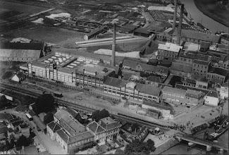 Photo: 1923 Markkade met Kwatta en Suikerfabriek vanuit het zuiden. Op het moment van deze opname nog Nieuwe Prinsenkade genaamd en behorend tot het grondgebied van Princenhage..